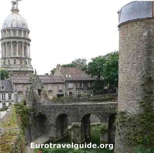 Boulogne Tourism | Boulogne Travel Guide & Tips: Triphobo
